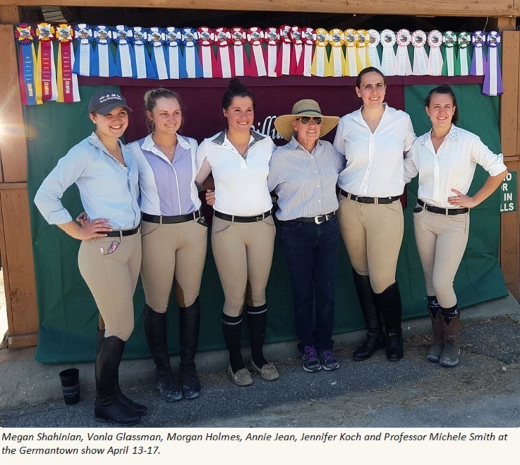 Bachelors in Equestrian students compete at Germantown show