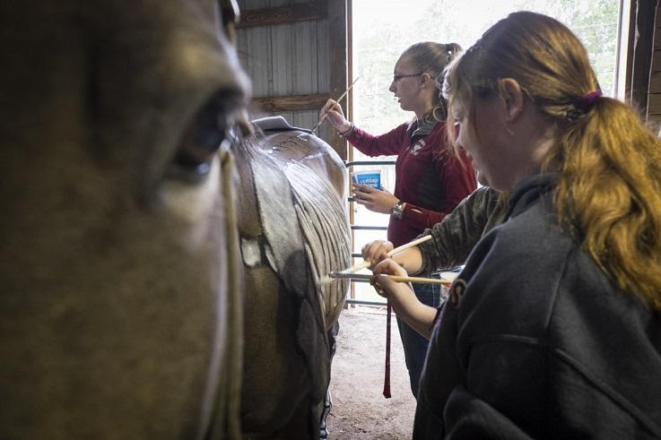 William Woods students practicing equine art
