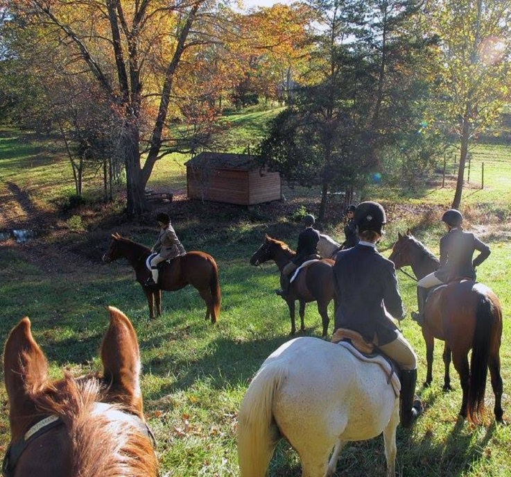 WWU students on a fox hunt in Virginia